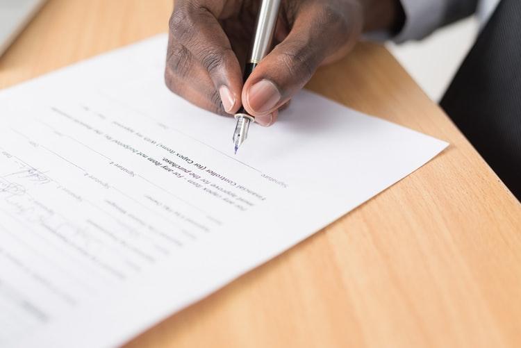 Saiba Como provar falsificação de assinatura